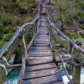 Преминаването е на ваша отговорност...Иновация в туризма от екопътеката над река Ерма - Трънско ждрело