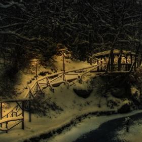 Зимна беседка - нощ