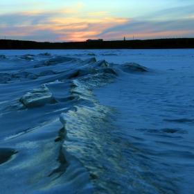 Леден залез