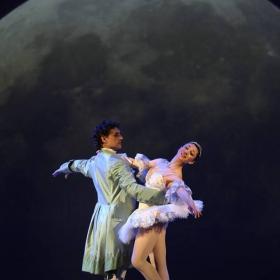И до днес светът не знае любов по-чиста и съдба по-клета от тази на Ромео и Жулиета ...