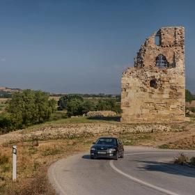 Средновековната кула на Амфиполи
