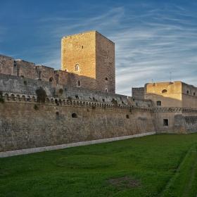 Крепостта Свево, Бари