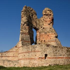 Руините на крепостта