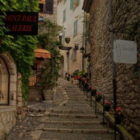 По стълбите на Saint-Poul de Vence