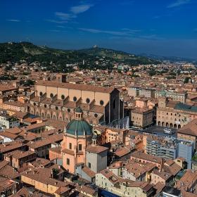 Катедрала Свети Петроний и площад Maggiore