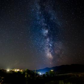 Млечният път над с.Равногор
