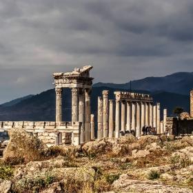 Храмът на Траян