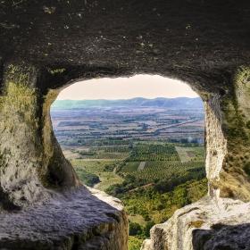 Хан-Крумовският скален манастир 2