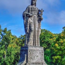 Maximilian Bridge, Pallas Athena Statue