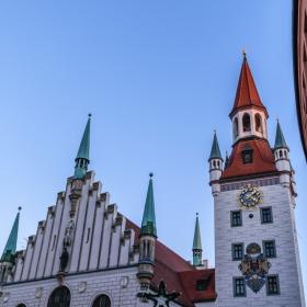 Часовниковата кула на старото кметство в Мюнхен