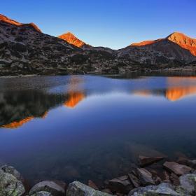 Рибно Бъндеришко езеро по изгрев