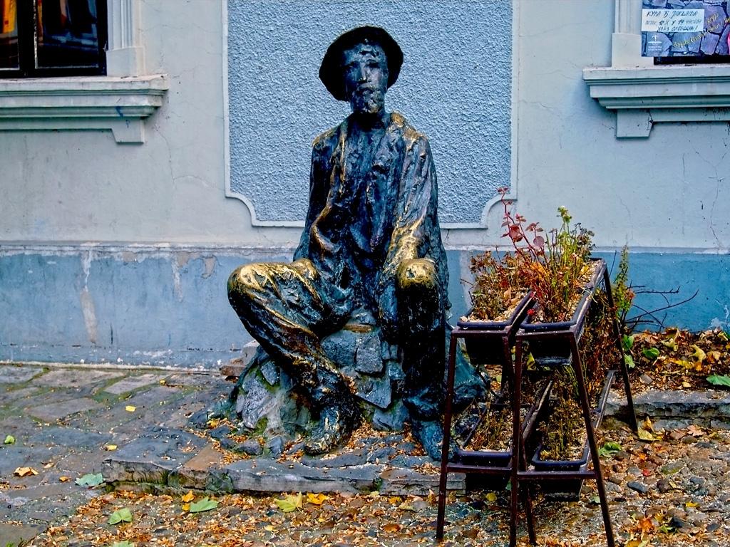 Скулптура на бохем - Белград - улица Скандарлия
