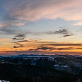 Началото на изгрева в Калоферската планина