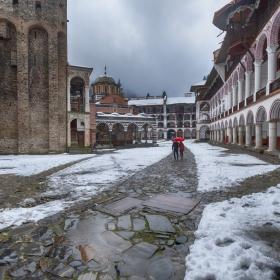 Рилският манастир пред декември