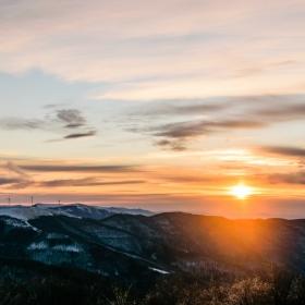 Изгрев над Средна Стара планина