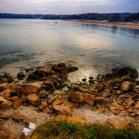 Каменист бряг