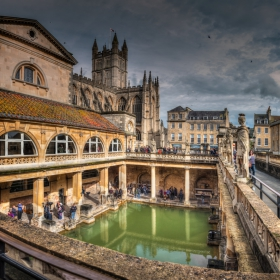 Great Bath Of The Roman Bath In Bath, Somerset, UK - две кликвания, моля