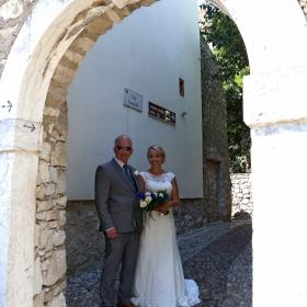 В Малчезине се женят англичаните