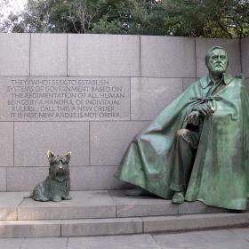 Мемориалът на Франклин Делано Рузвелт  , 32-ри президент на САЩ