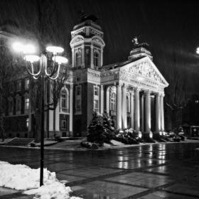 Снежна мартенска вечер