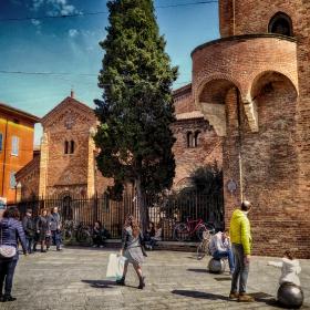 Край Седемте църкви в Болоня