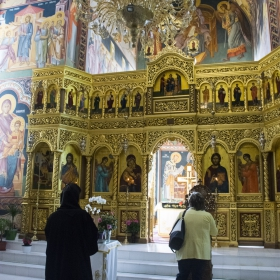 В манастира Maglavit- Румъния