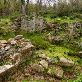 Останките от църквата