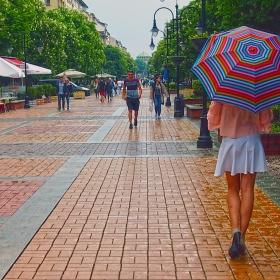 Момичето с чадърчето
