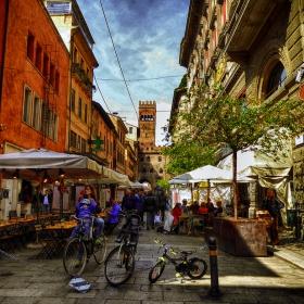 Уличка в Болоня