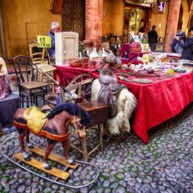 Кончето на антикварния пазар