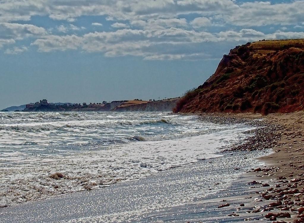 Разпенено море
