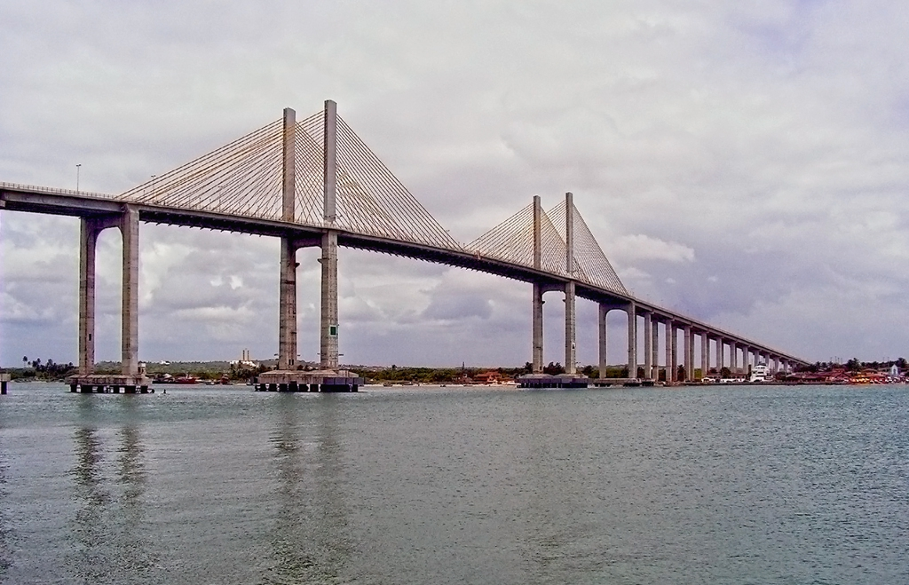 Newton Navarro Bridge
