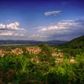 Панорамна гледка към село Костенец