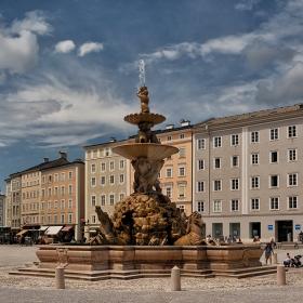 Residenzbrunnen, 1661 г.