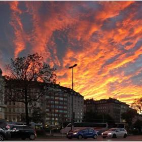 Огнено небе, поглед на Запад към залеза