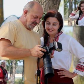Фотографът, с един от моделите си