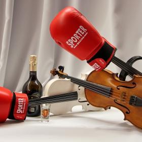 И на бой носим, и да се бием можем, и да свирим и да пием...