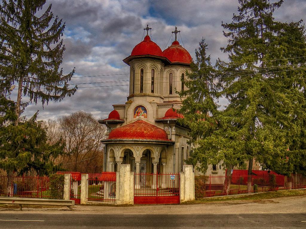 Църква край румънското село Crucea de Piatra