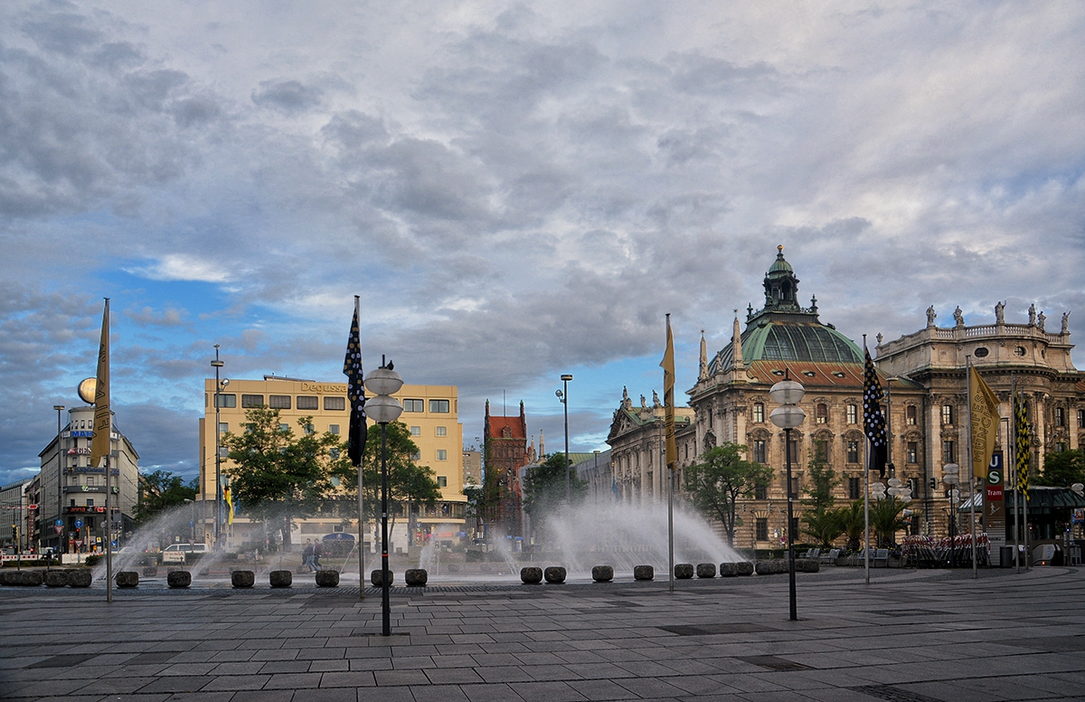 Karlsplatz, Munchen