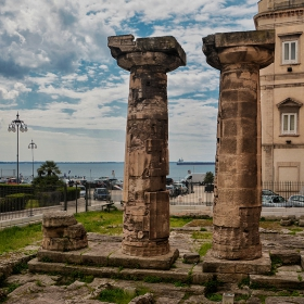 Колони от храма на Посейдон, V в.пр.Хр.
