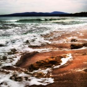 Драматично разпенено море