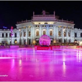 Ледена пързалка пред Кметството във Виена