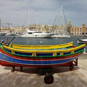 Малта - Разлика в класите, но красотата е ... all around!