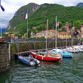 Яхтена марина на езерото Комо, Италия