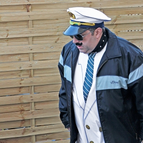 Боцман Шишев на карнавал