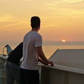 Момчето което говори с морето