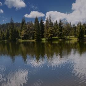 Момчилово езеро