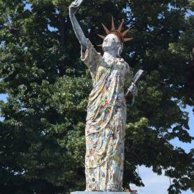 Статуя на Великата Консумация - 1