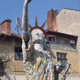 Статуя на Великата консумация - 2