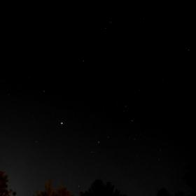 Ретроградният Юпитер до окото на Скорпиона Антарес